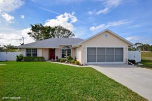 1318 Se Preston Lane, Port Saint Lucie, FL 34983