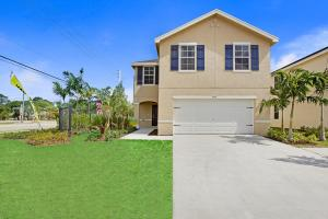 3777 Whitney Park Lane, Greenacres, FL 33463