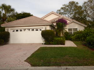 2702 Pointe Circle, Greenacres, FL 33413