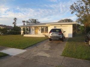 287 Ne Camelot Drive, Port Saint Lucie, FL 34983