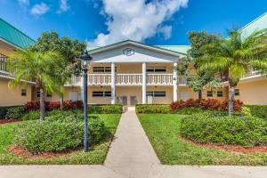 27 Colonial Club Drive, Boynton Beach, FL 33435