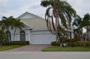 661 Nw Red Pine Way, Jensen Beach, FL 34957