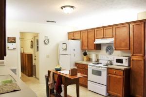 7902 Lakeland Boulevard, Fort Pierce, FL 34951
