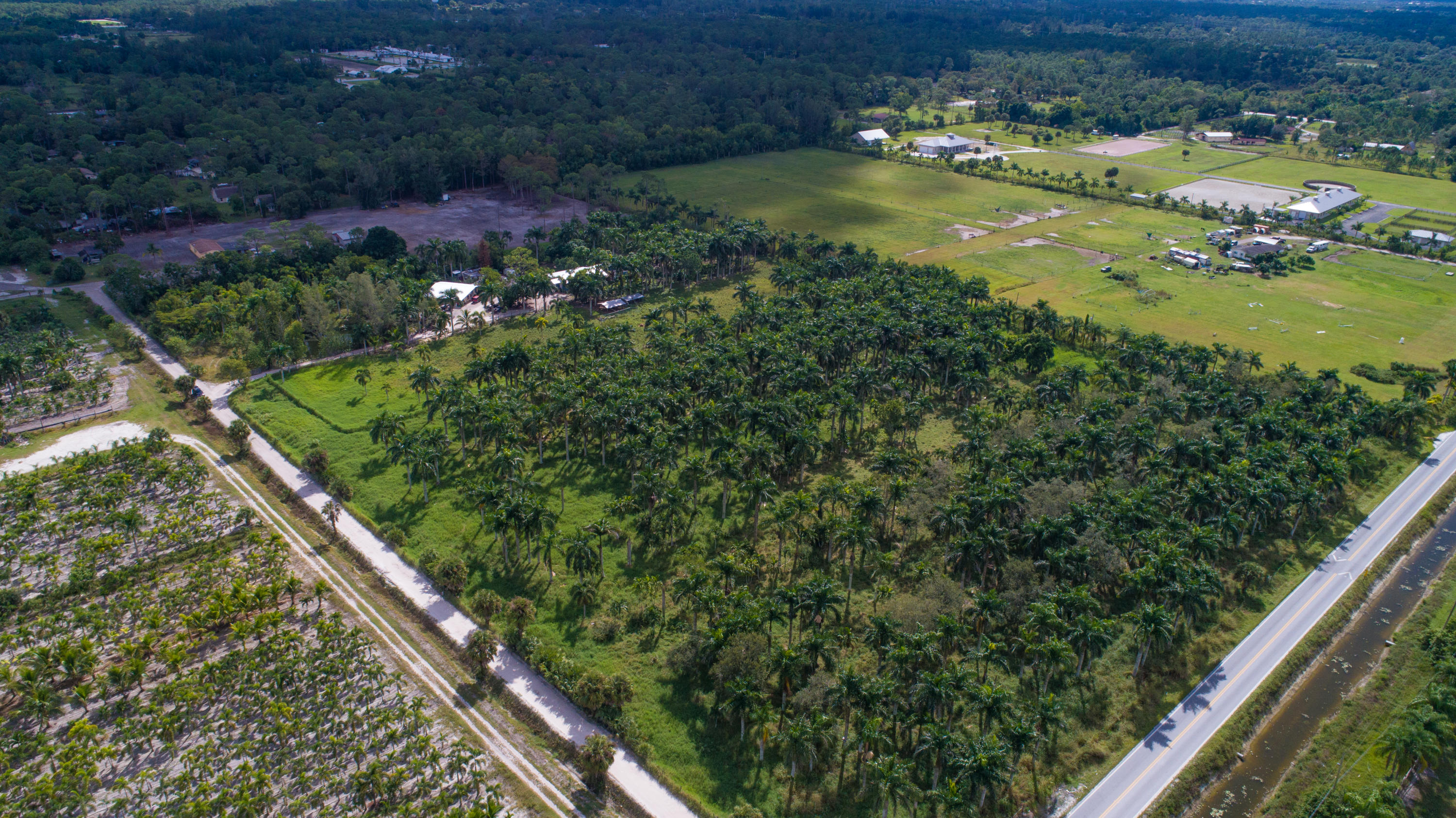 Xxx B Road, Loxahatchee Groves, FL 33470