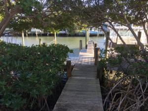 3212 S Lakeview Circle, Hutchinson Island, FL 34949