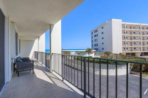 300 Beach Road, Tequesta, FL 33469
