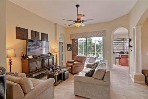 10060 Sw Cardigan Court, Port Saint Lucie, FL 34987