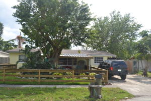 1416 W Perry Street, Lantana, FL 33462