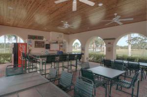 425 Nw Sunview Way, Port Saint Lucie, FL 34986