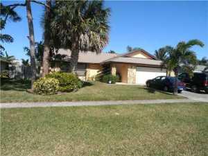 363 La Mancha Avenue, West Palm Beach, FL 33411