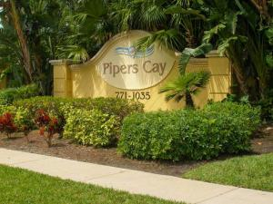 1022 Pipers Cay Drive, West Palm Beach, FL 33415