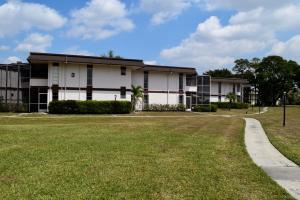 3 Greenway Village N, Royal Palm Beach, FL 33411