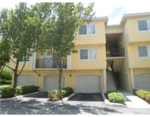 500 Crestwood N Court, Royal Palm Beach, FL 33411
