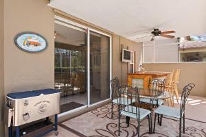 15110 Oak Chase Court, Wellington, FL 33414