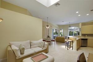 7637 Iris Court, West Palm Beach, FL 33412