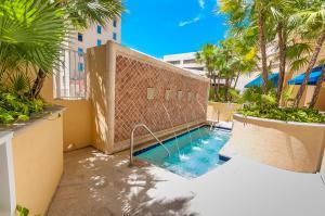 201 S Narcissus Avenue, West Palm Beach, FL 33401