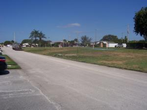 290 Main Boulevard, Boynton Beach, FL 33435
