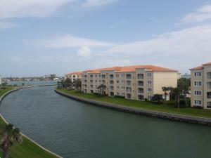 7 Harbour Isle E Drive, Fort Pierce, FL 34949