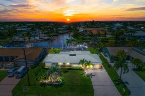 1389 Sw Dyer Point Road, Palm City, FL 34990