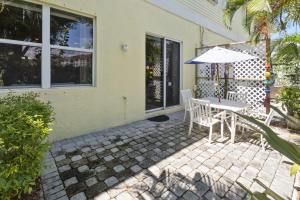 145 Barefoot Cove, Hypoluxo, FL 33462