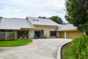 3220 Sw Island Way, Palm City, FL 34990