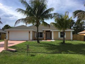 413 Se Starfish Avenue, Port Saint Lucie, FL 34984