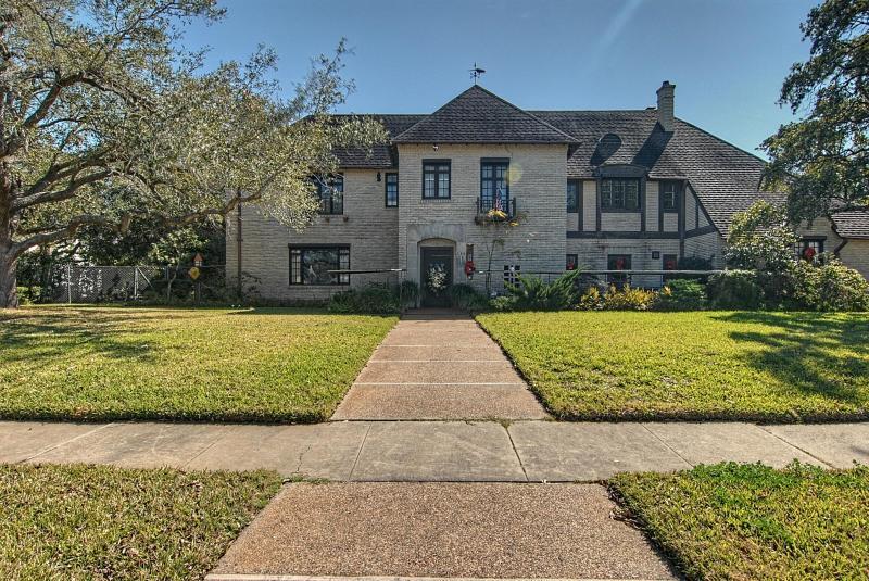 235 Louisiana Ave, Corpus Christi, TX 78404