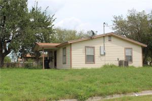 302 Lucero St, Alice, TX 78332