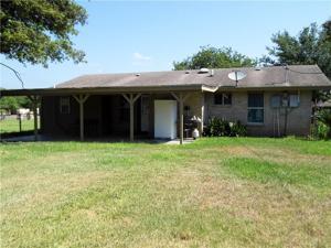 905 W Kohler St, Hebbronville, TX 78361