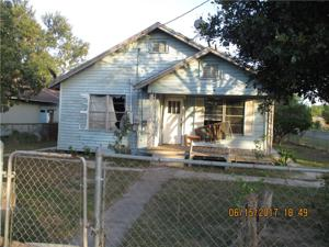 702 Mesquite, Benavides, TX 78341