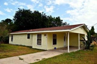 1212 Corazan St, Alice, TX 78332
