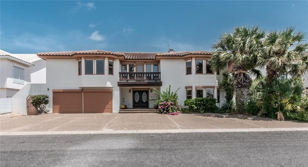 216 Bayview Dr, City By The Sea, TX 78336