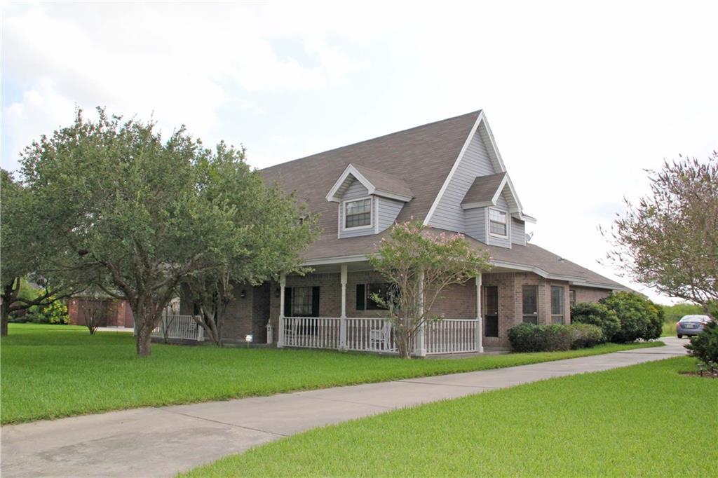 122 Saint Anthony Dr, Sinton, TX 78387