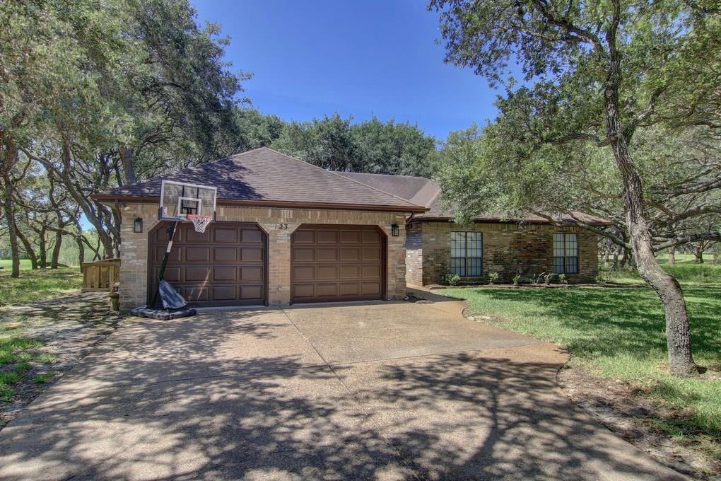 123 Marion Dr, Rockport, TX 78382