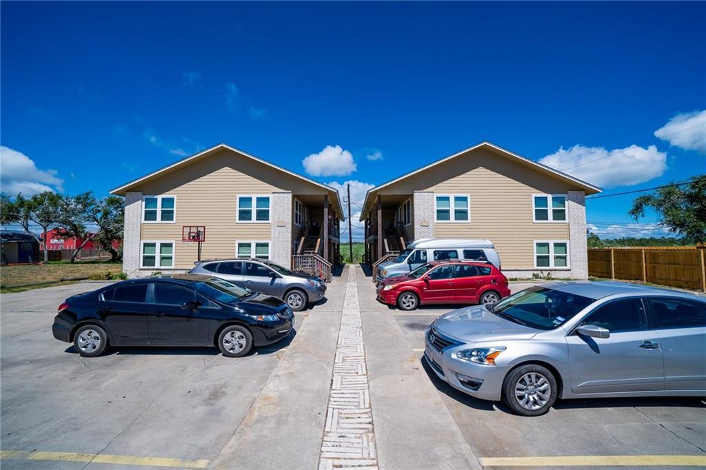 659 Redwood Ave, Rockport, TX 78382