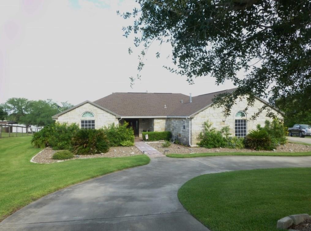 549 House Ave, Sandia, TX 78383