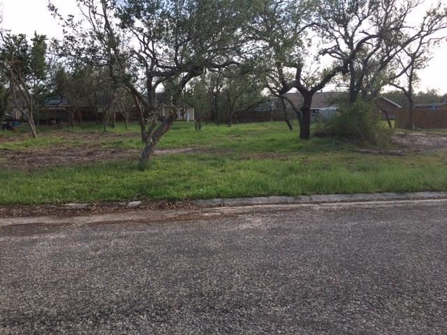 112 N Santa Clara Dr, Rockport, TX 78382