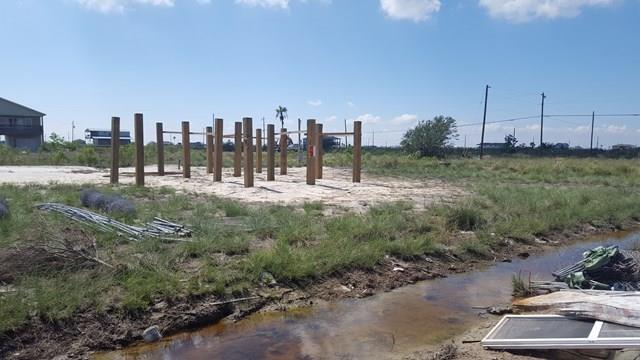 465-466 Pin Oak Lane, Rockport, TX 78382