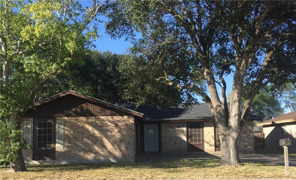 1100 Avenue A, Alice, TX 78332