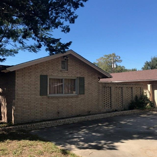1513 Sunset Dr, Alice, TX 78332