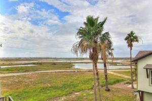 111 Pirates Bay, Port Aransas, TX 78373