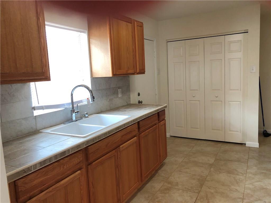624 Chamberlain St, Corpus Christi, TX 78404