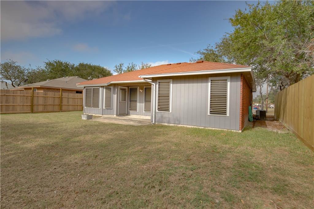 2159 Spring Park Dr, Ingleside, TX 78362