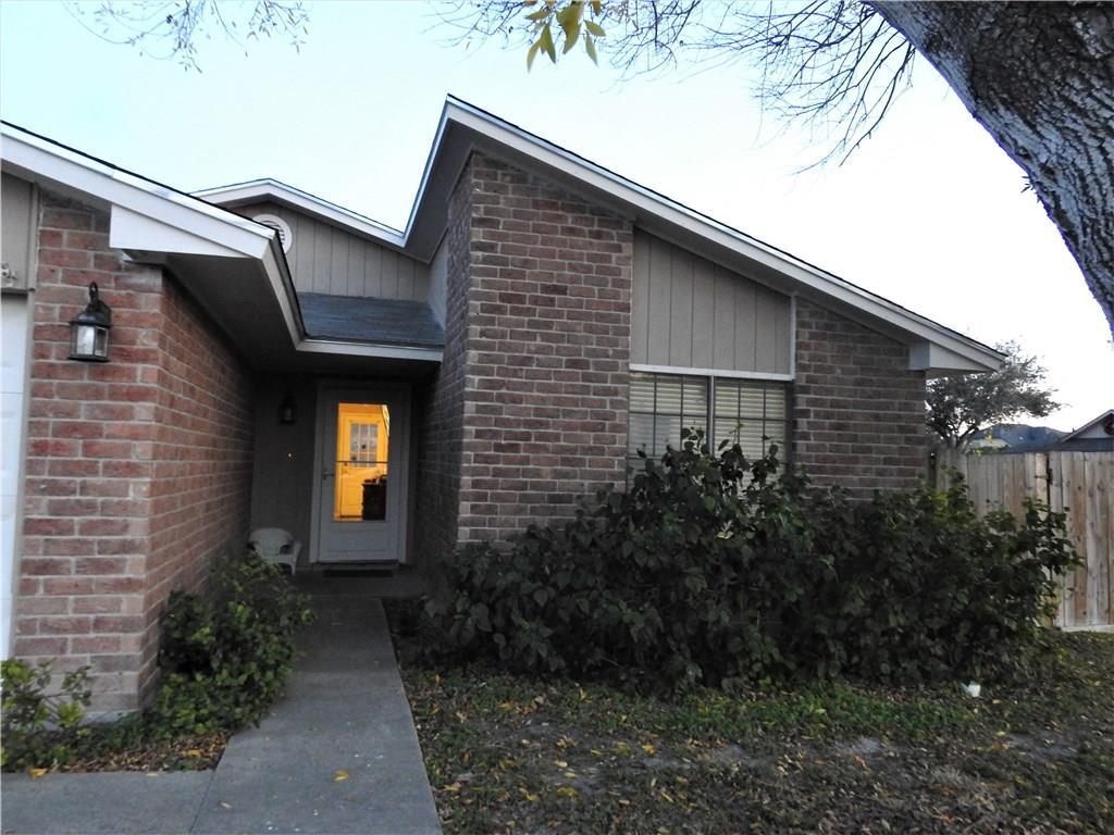 6034 Deer Creek Dr, Corpus Christi, TX 78415