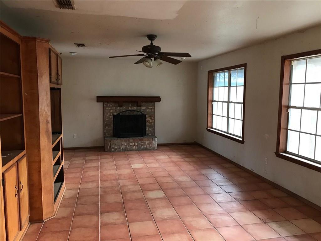 402 Franklin Ave, Agua Dulce, TX 78330