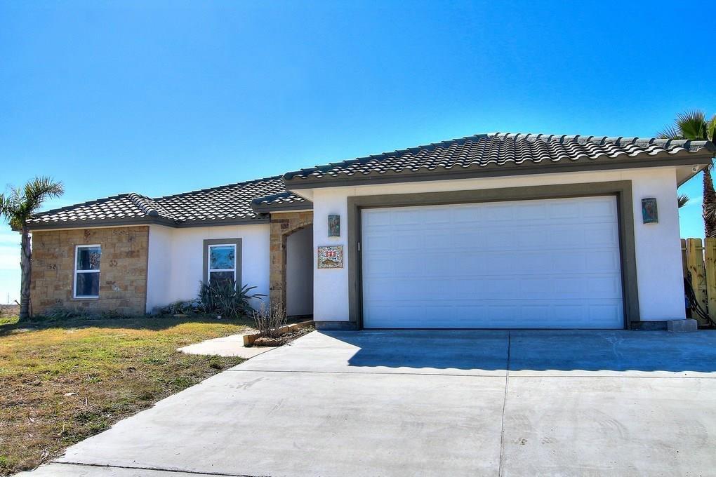311 Mustang Blvd, Port Aransas, TX 78373