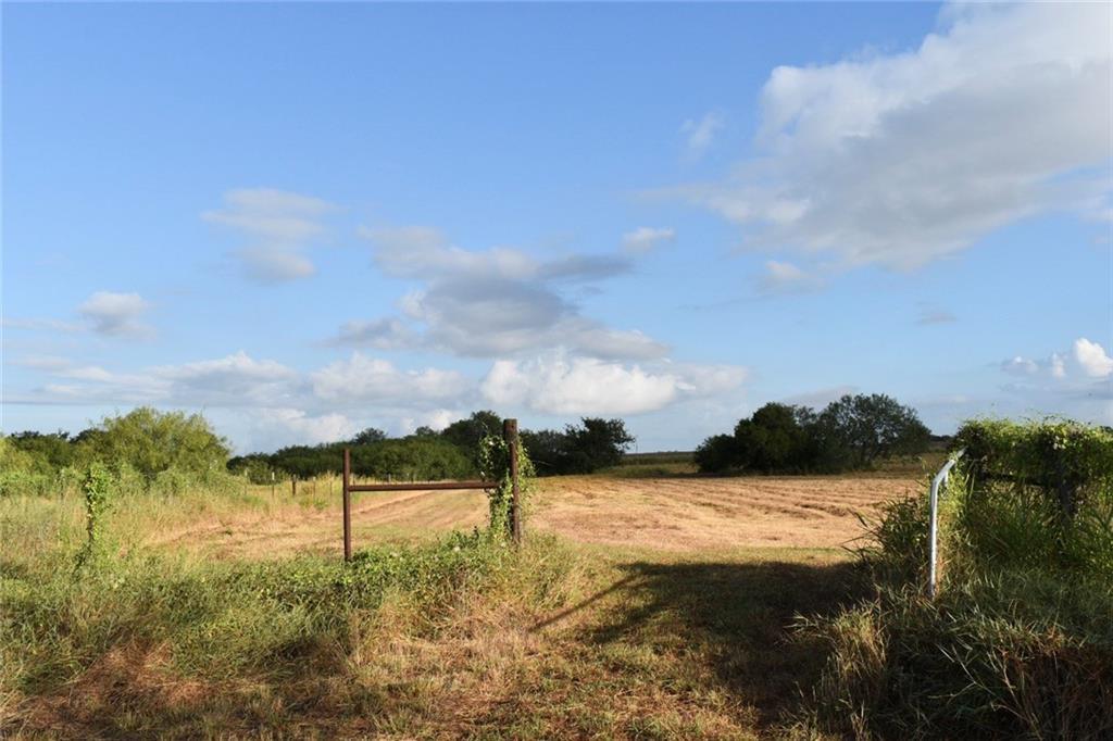 129 N County Road 353, Orange Grove, TX 78372