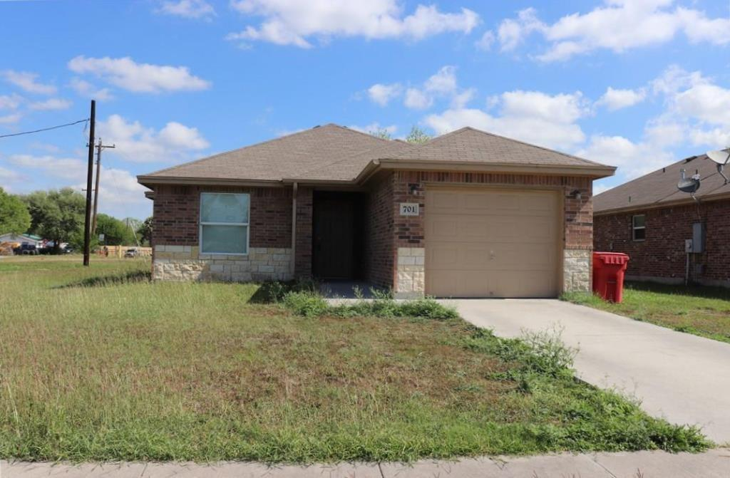 701 North View Ct, Robstown, TX 78380