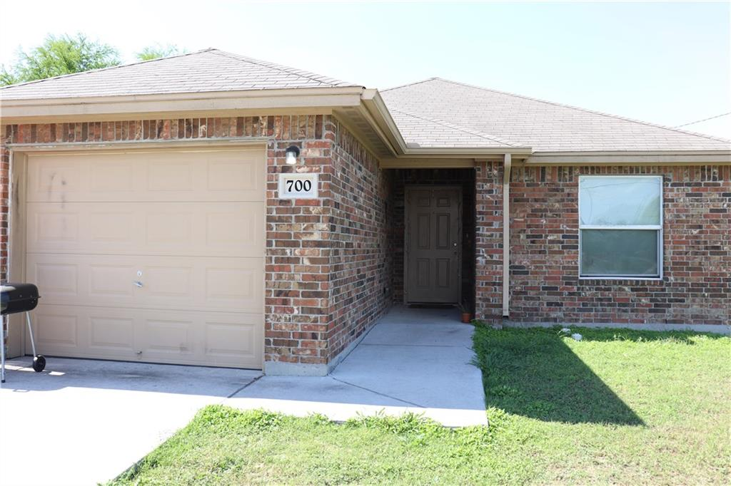 700 North View Ct, Robstown, TX 78380
