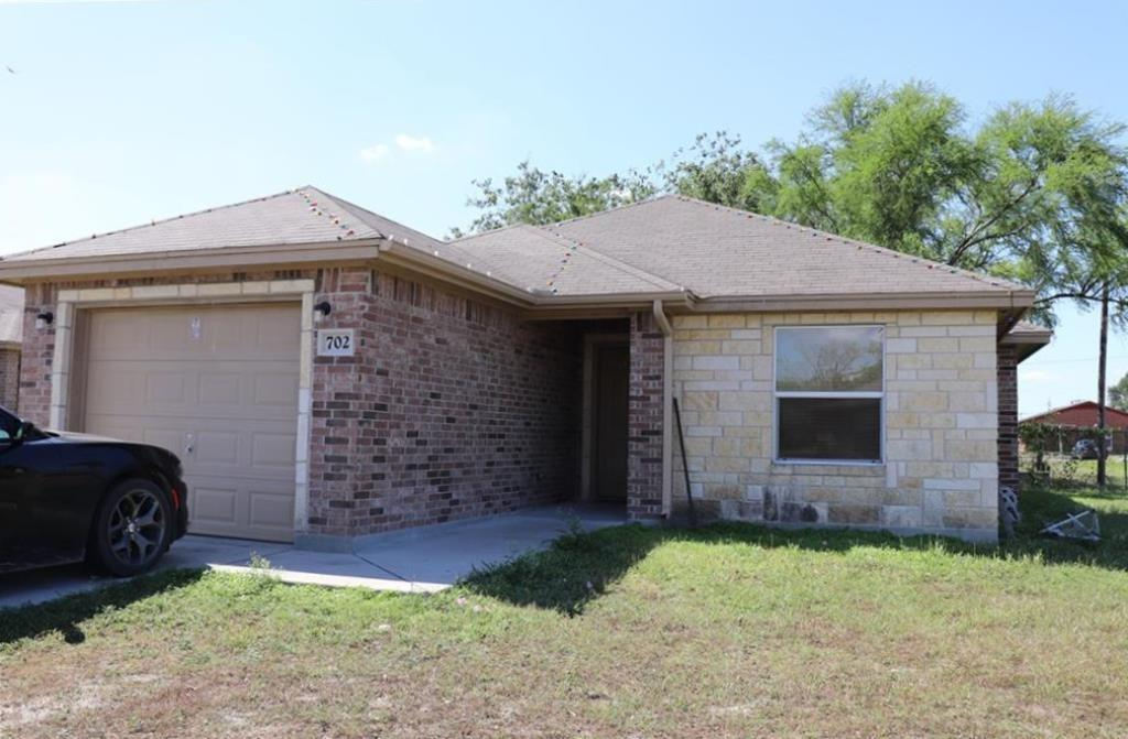 702 North View Ct, Robstown, TX 78380